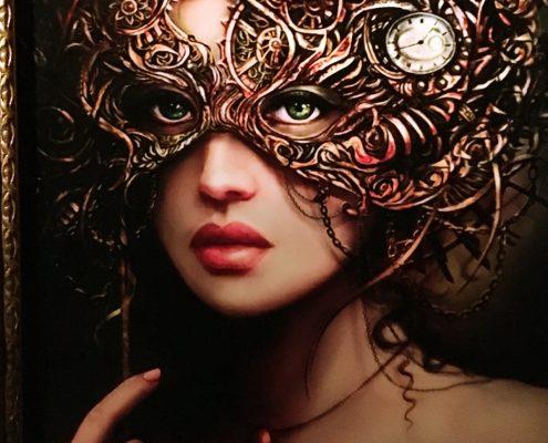 Kvinde i maske tager til sensual groove dance bal.